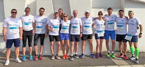 MC team spirit: The group photo was taken before the start of the marathon in front of the Musiktheater in Gelsenkirchen near by the start-finish area.